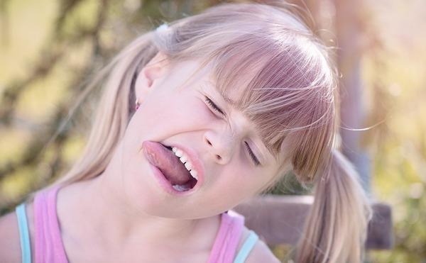 remedios lengua blanca niños