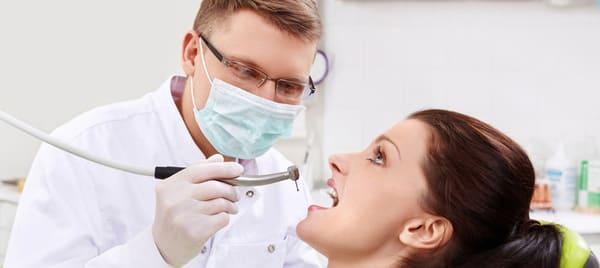 dentista sangrado de encías