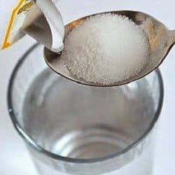 curar encías inflamadas agua y sal