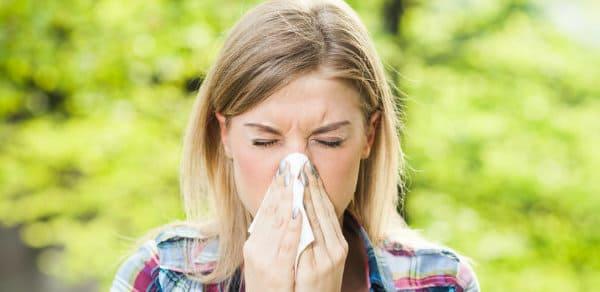 mucosidad por faringitis alergica