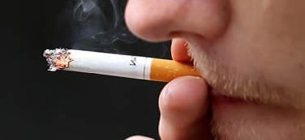 tabaco causa lengua marron