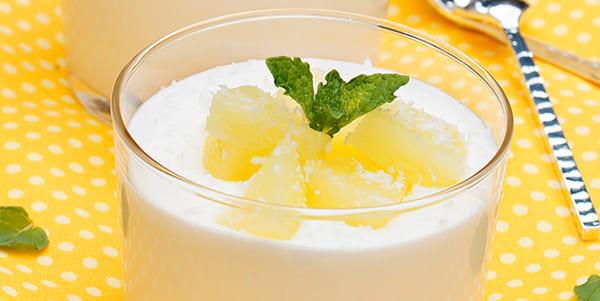yogur y piña lengua marron