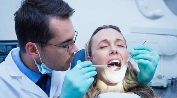 curar un absceso dental