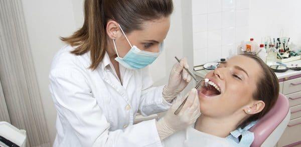 tratamiento encías con pus