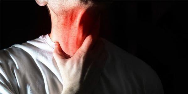 causas de flemas en la garganta