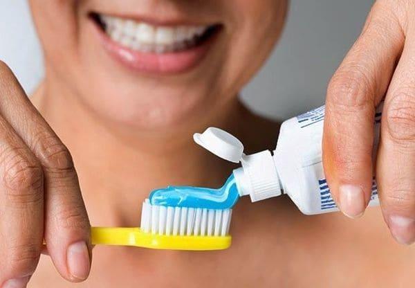 eliminar puntos blancos garganta